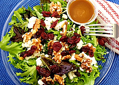 Green Salad with Walnuts and Goat Cheese